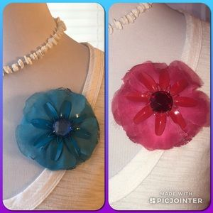 Pair of brooch flowers for clothing or hat.